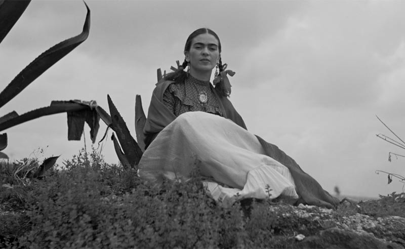 Frida Kahlo sitting outside